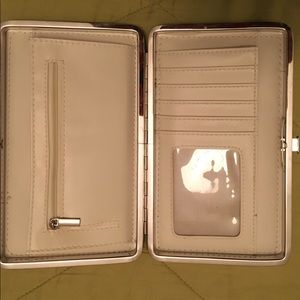 Accessories - 90's Vintage Pearlized silver beige wallet, clutch